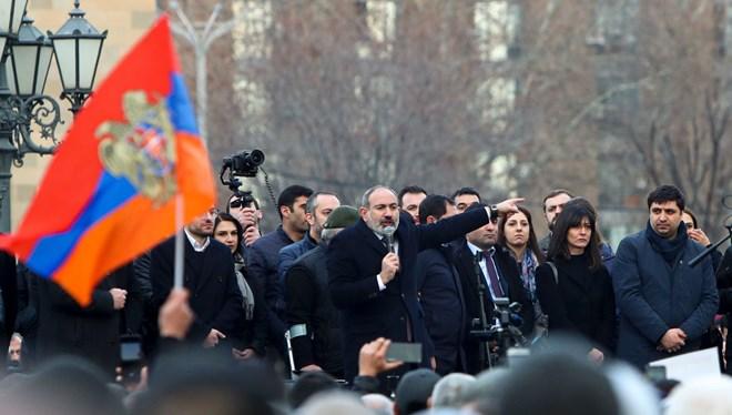 Serokkomar Armen Sarkisyan biryara Nikol Paşinyanî red kir