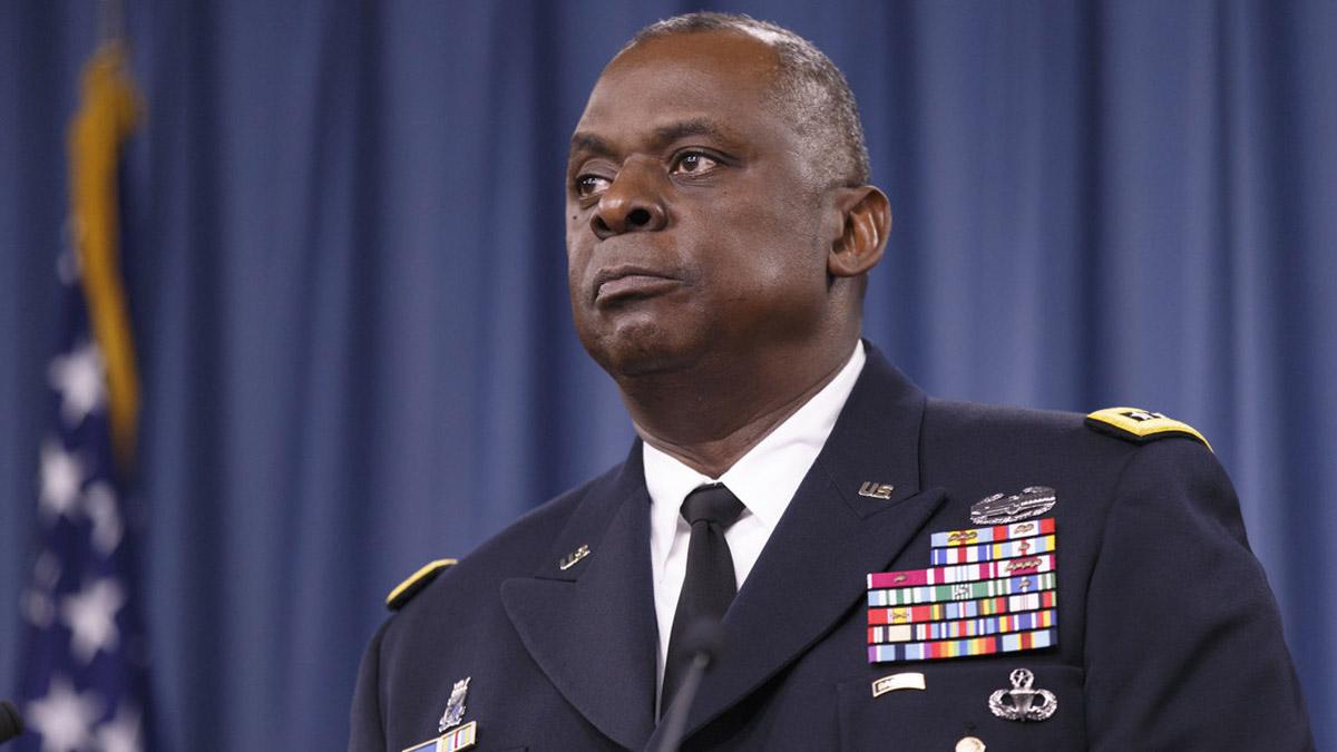 Wezîrê Pentagonê yê bergiriyê orgeneral Lloyd Austin e
