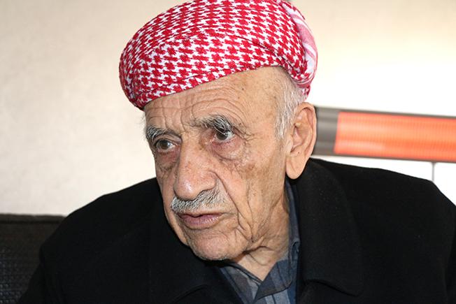 """Xwediyê helbesta """"Qehremanê esrê bîsta Mustafa Barzanî tû"""" koça dawiyê kir"""