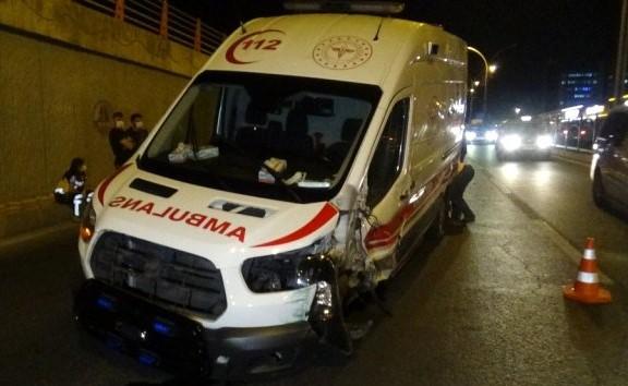 Li Amedê ambulans qeza kir: 3 birîndar