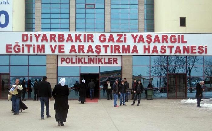 Li Diyarbekirê karmendeke din a tenduristiyê ji ber Koronayê can da