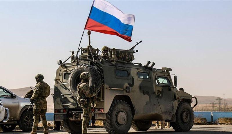Ji ber hêza Amerîkî di navbera hêzên Rûsî û HSDê de alozî derket