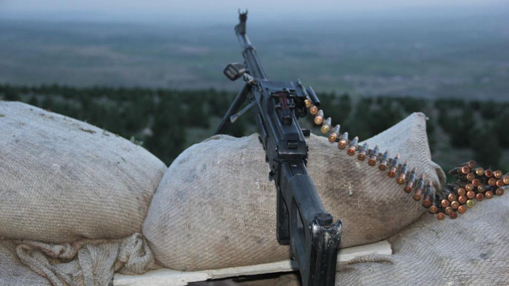 Di navbera Yekîneyên Rizgariya Efrînê û çekdarên girêdayî Tirkiyê de şer derket
