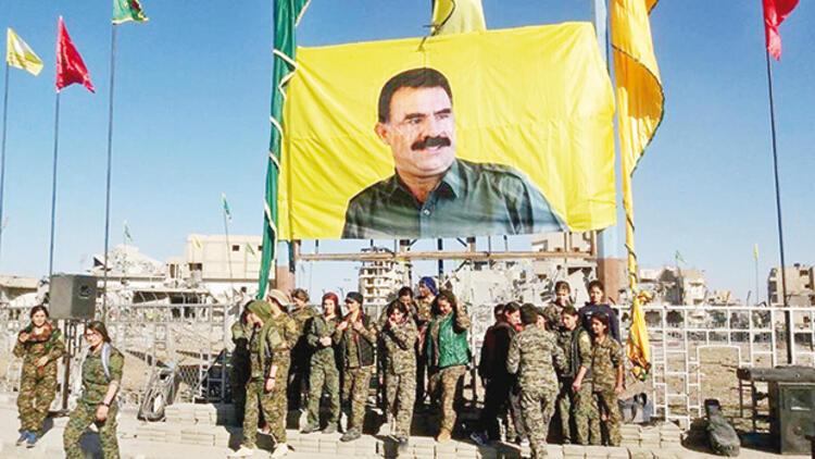 Amerîka daxwaza rakirina wêneyên Ocalan û alên PKKê ji HSDê kir