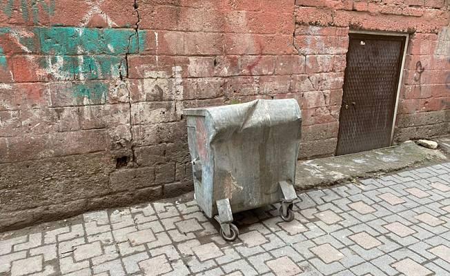 Diyarbekir | Cenazeyê pitikekê di kontênêra çopê de hat dîtin