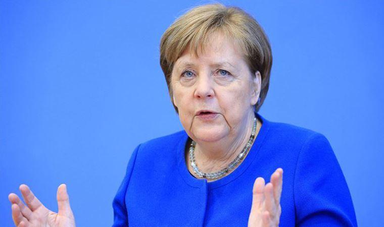 Merkel, ji dagera Amerîkayê ya nav Zîrwe ya Kêşûhewayê ya Parîsê raziye