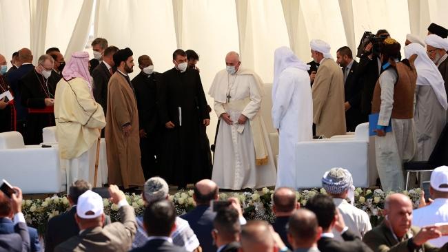 Papa Francîs gihîşt bajarê dîrokî Urê