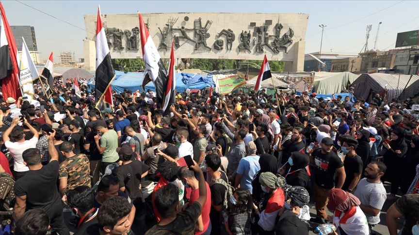 Bağdat'ta gösteriler başladı: Tahrir Meydanı doldu
