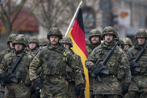 Alman ordusunda aşırı sağcılarla ilgili rapor!