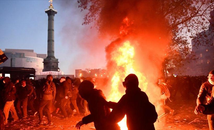Fransa genelinde hükümet karşı protestolar arttı!