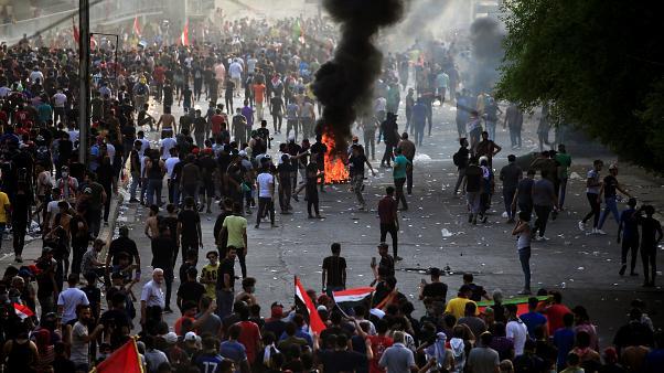 İngiltere'den Irak yönetimine protestolara ilişkin uyarı!