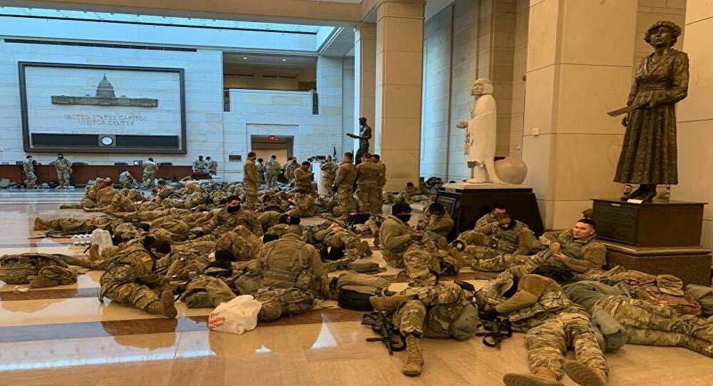 ABD'de güvenlik had safhada: Muhafızlar yerde yatıyor