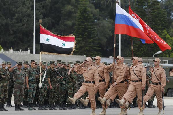 """""""Rusya, Rojava'yı parça parça rejime teslim etmek istiyor"""""""
