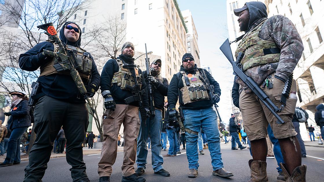 Trump yanlısı silahlı gruplar toplanmaya başladı
