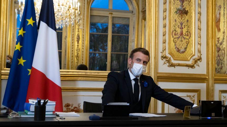 Macron: Rusya'yı caydırmak için yaptırımlar yeterli değil