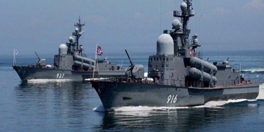 Donbas gerilimi sonrası Rus donanması Karadeniz'e gönderildi