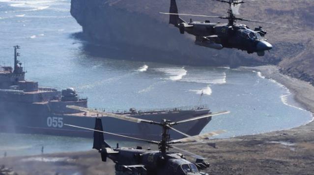 Rus savaş gemileri, Karadeniz'de tatbikat başlattı
