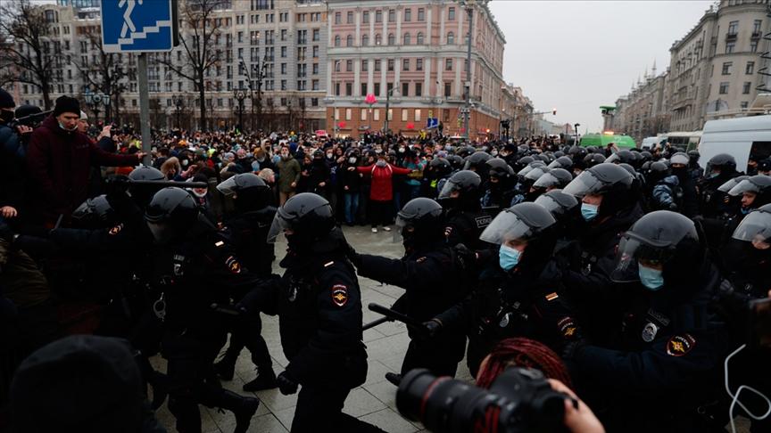 İngiltere'den Rusya'ya: Serbest bırakın!