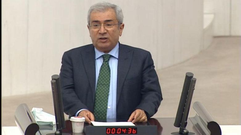 Taşçier li ser kursiyê Parlamena Tirkiyê daxwaza fermîkirina zimanê Kurdî kir