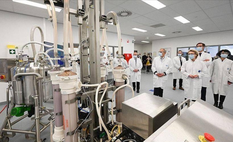 AB'den BioNTech-Pfizer ile 1,8 milyar dozluk aşı sözleşmesi
