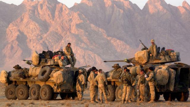 ABD, Afganistan'daki askeri üslerin tahliyesine başladı