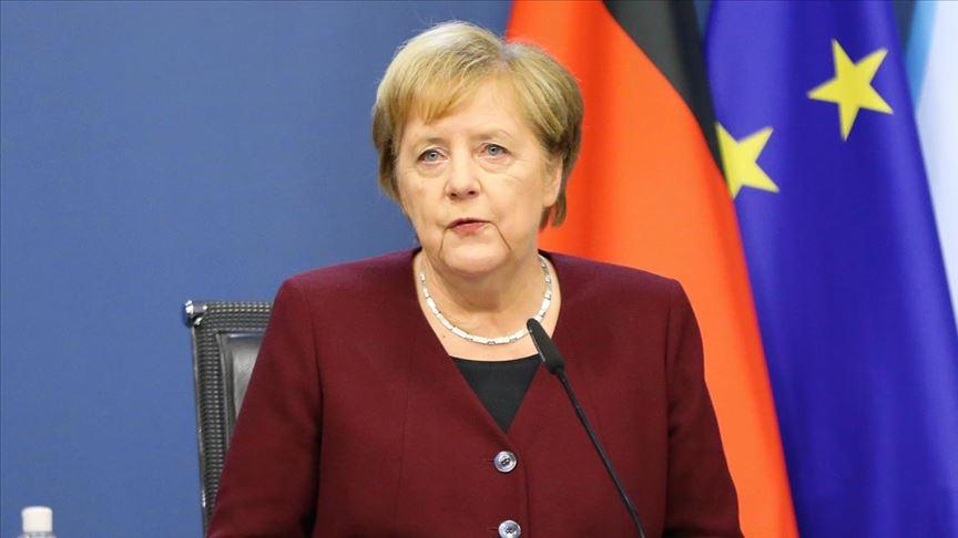 Merkel: AB zirvesinde Rusya'ya ilişkin anlaşmaya varıldı