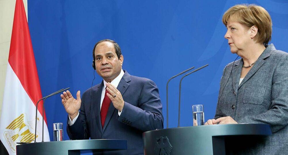 Merkel, Sisi ile Orta Doğu'daki gerilimi görüştü
