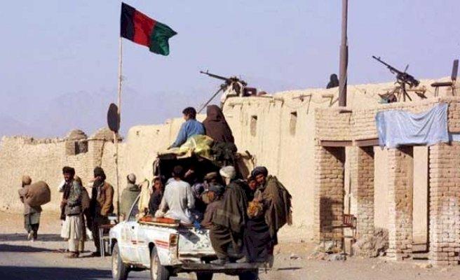 Taliban il merkezlerinin yarısından fazlasını kuşattı