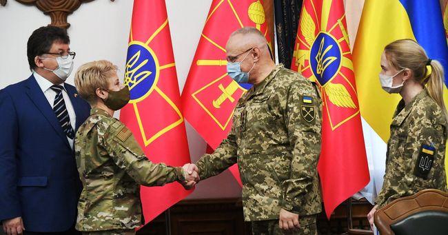 ABD askeri heyeti, Ukrayna'daki kriz bölgesinde!