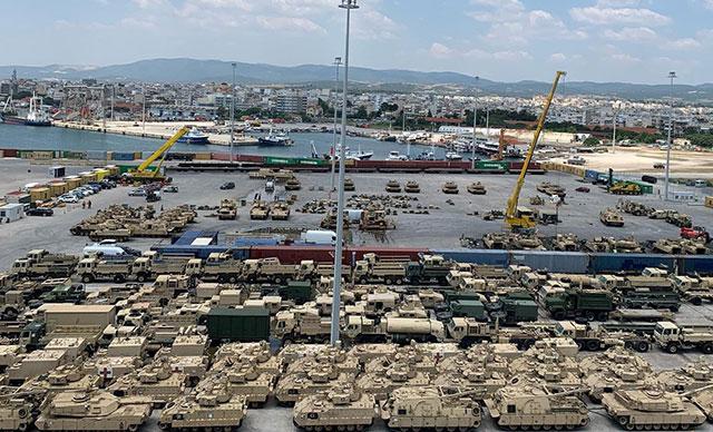 ABD, Türkiye sınırına yüzlerce tank sevk etti!