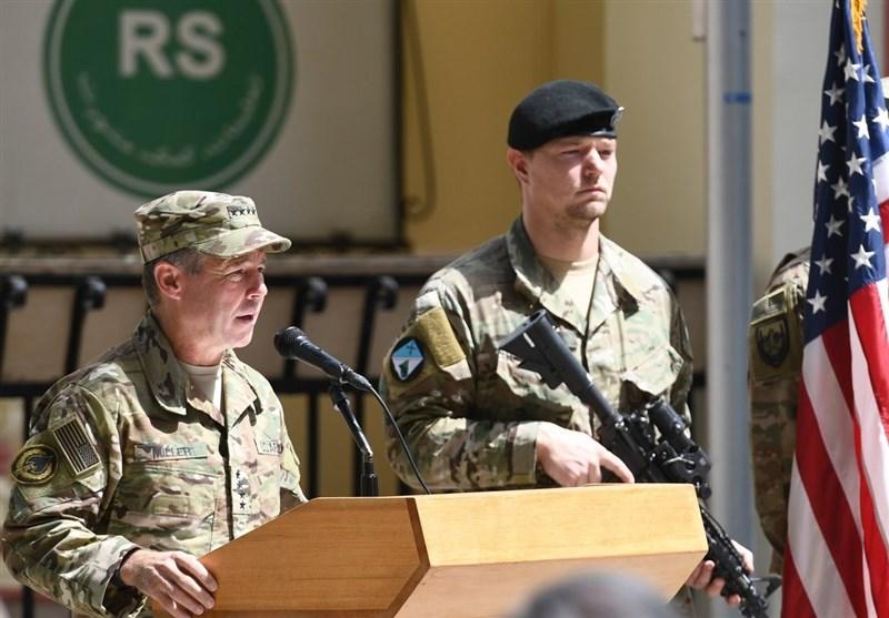 ABD'li general, savaşı sembolik olarak bitirmek için görevini bıraktı