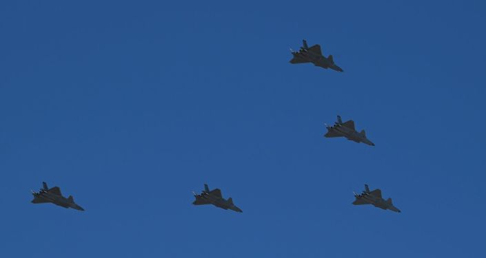 Çin, beşinci nesil J-20 avcı uçağından 15'ini havalandırdı