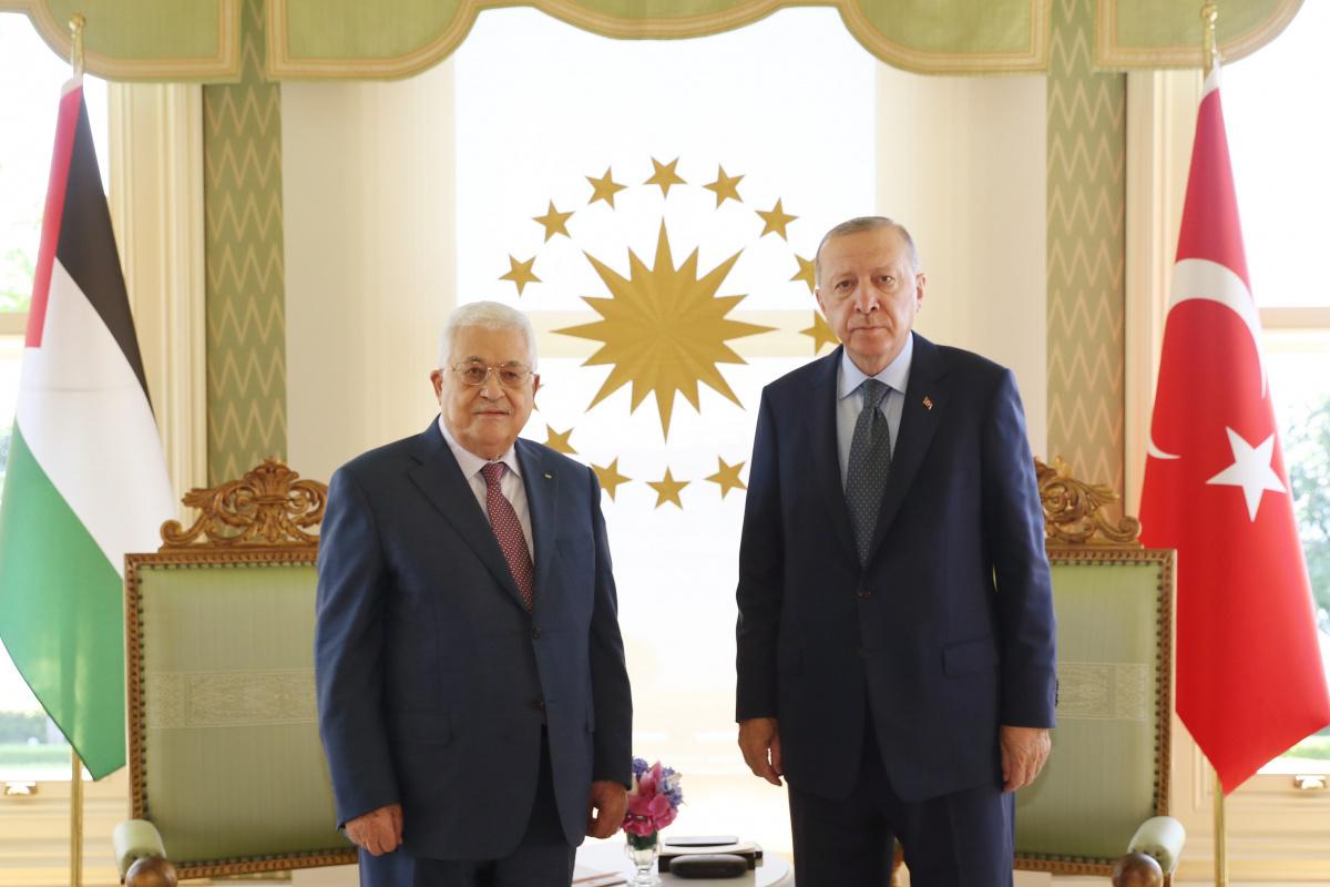 Erdoğan, Filistin Devlet Başkanı Abbas ile bir araya geldi