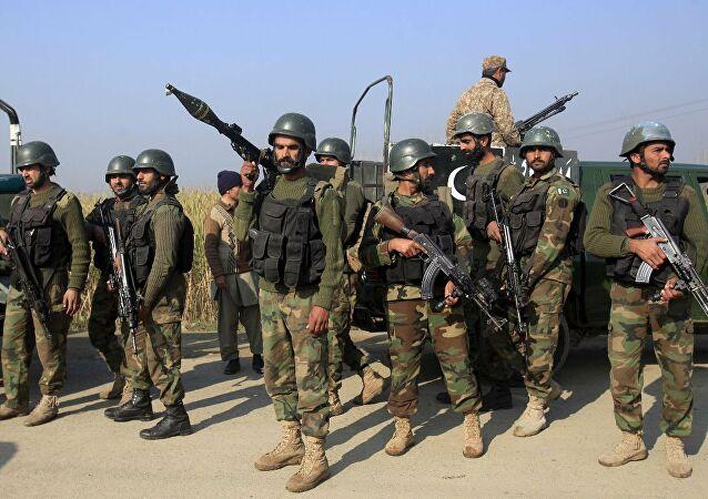 """Pakistan'dan uyarı: """"Taliban ele geçirirse sınırı kapatacağız"""""""