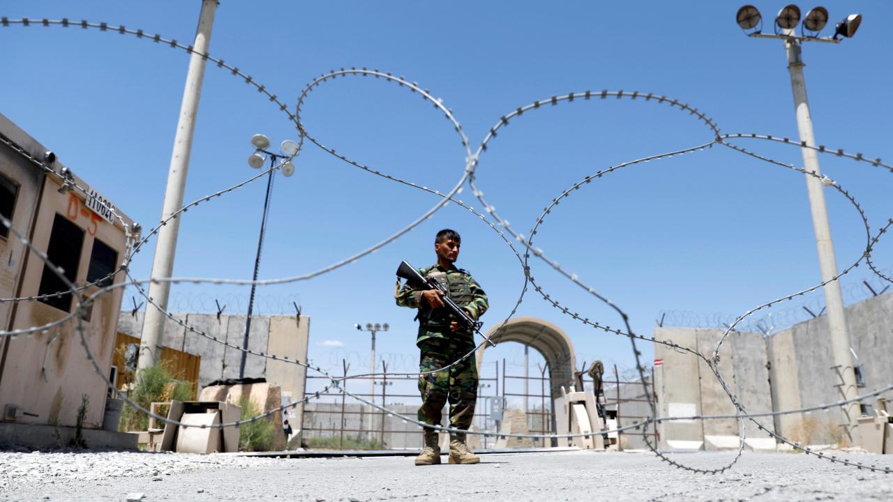 Taliban, İran sınırında bir gümrük kapısını daha ele geçirdi