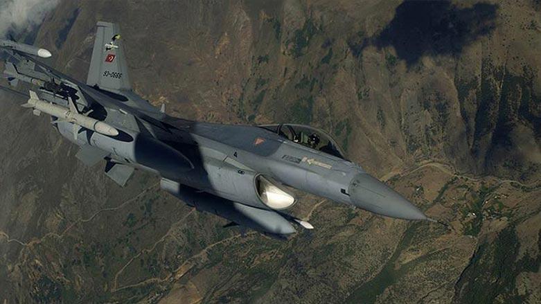 Türk savaş uçakları Kürdistan'da üç ilçeyi bombaladı